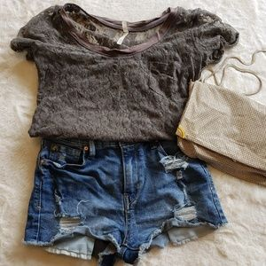 Tops - Lace pocket tee